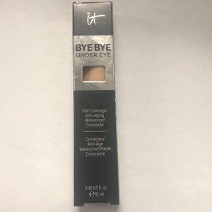 Bye bye under eye concealer in 20.0 medium